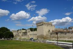 Road Trip Südfrankreich Italien - Avignon Stadtmauer außen