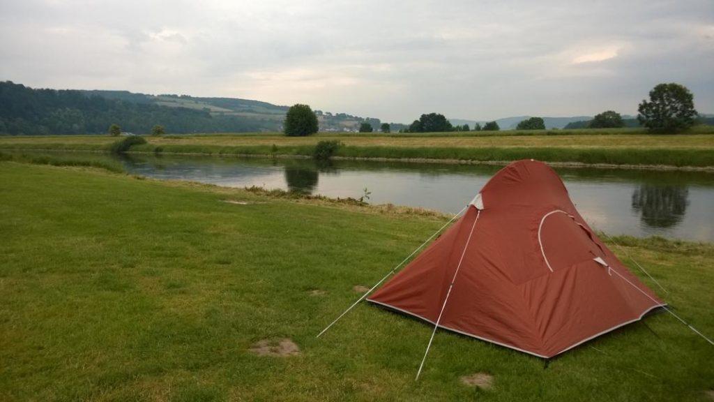 Zelt an der Weser