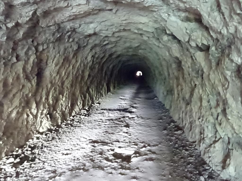 Wanderung in der Verdonschlucht Tunnel