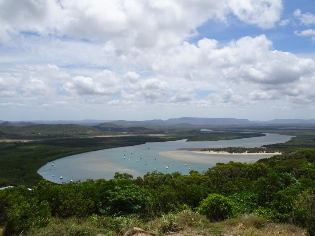 Blick auf den Endeavour River vom Grassy Hill Lookout