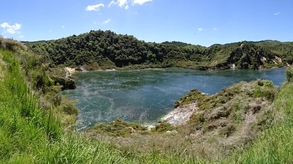 Waimangu Volcanic Valley - Frying Pan Lake