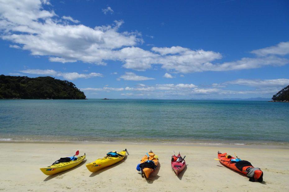 Kayak Abel Tasman - Pause in der Bark Bay