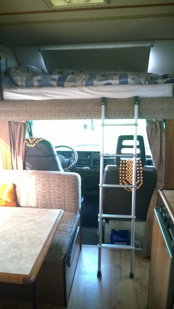 Wohnmobil Bill - Schlafzimmer Wohnzimmer und Küche