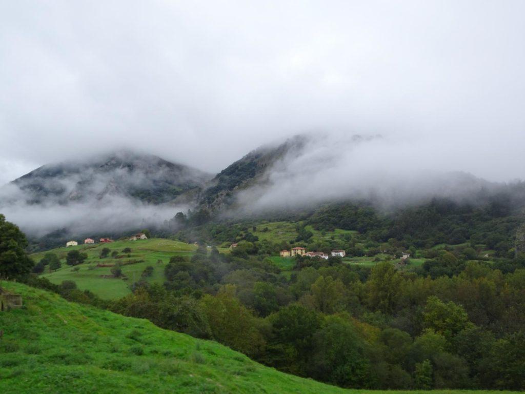 Picos de Europa - Auf dem Weg in die Berge