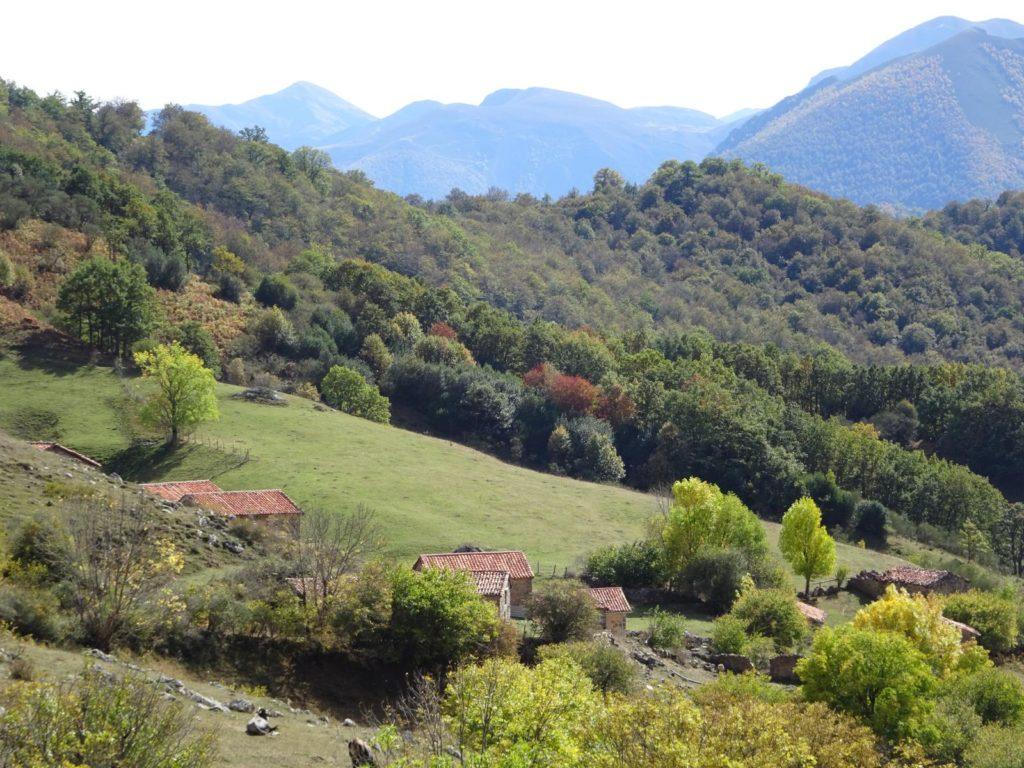 Picos de Europa - Bergdorf bei Espinama