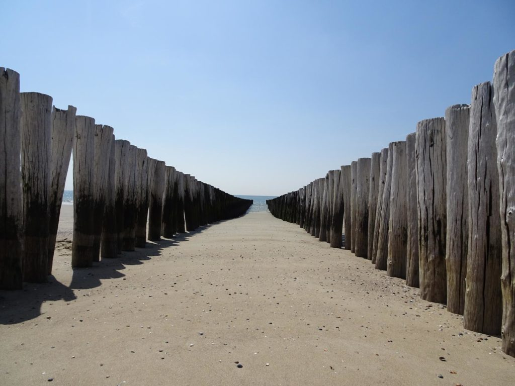 Strand an der Westküste von Burgh-Haamstede