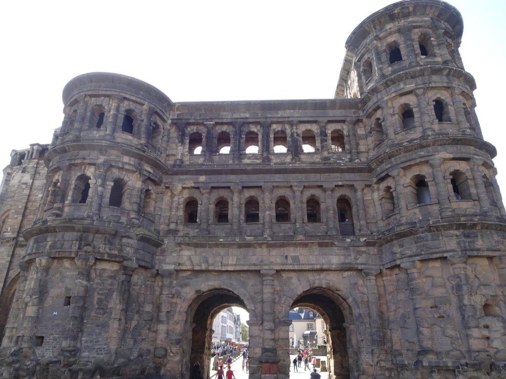 Trier - Porta Nigra von außen