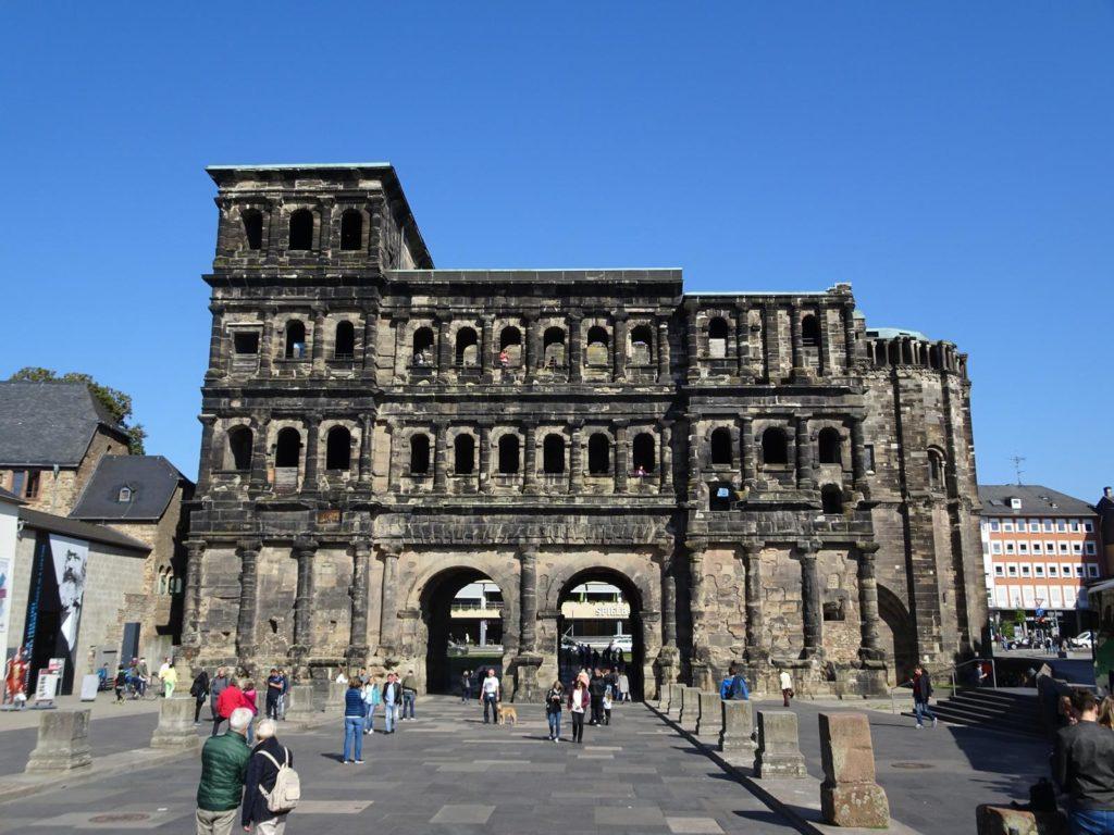 Trier - Porta Nigra von Innen